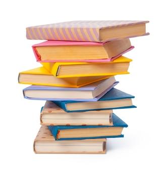 Pile de livres isolé sur blanc