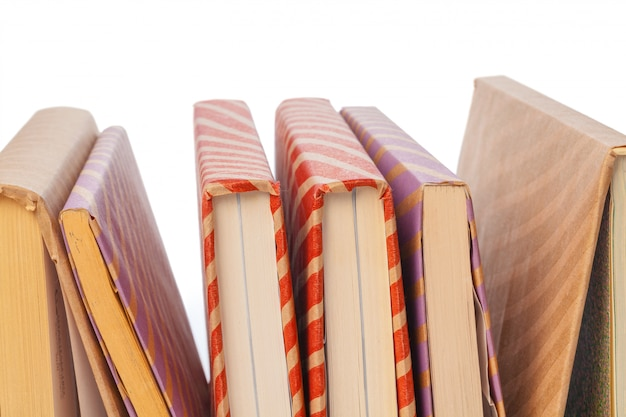 Pile de livres isolés