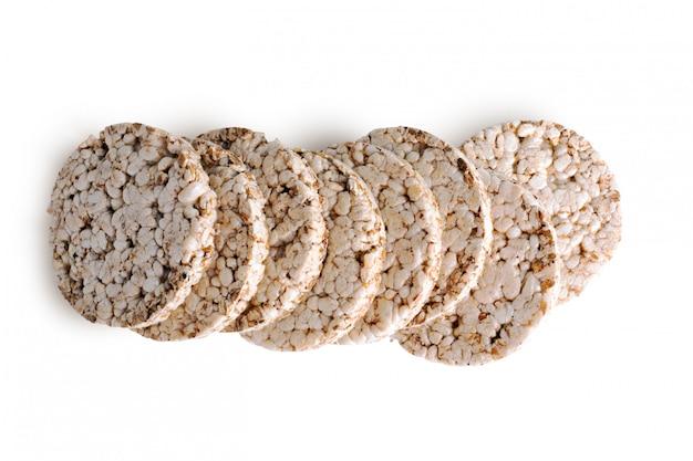 Pile de pain croustillant aux céréales