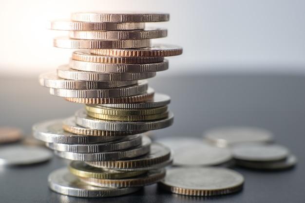Pile de pièces de monnaie thaïlandaise