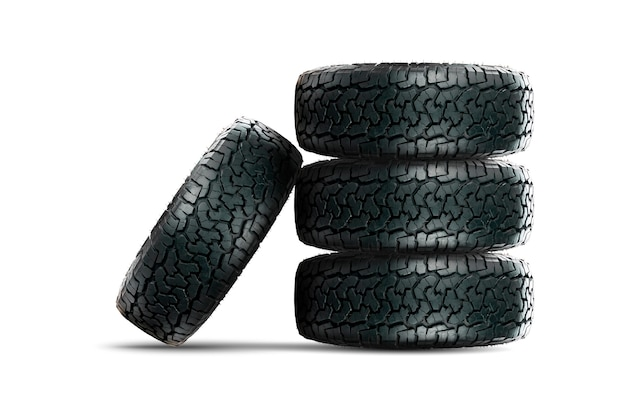 Pile de pneus de voiture 4 roues avec jante en alliage isolé sur fond blanc