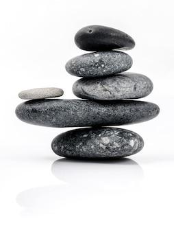La pile de scène de traitement spa stones zen aime les concepts.