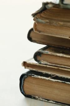 Pile de vieux livres, concept de littérature