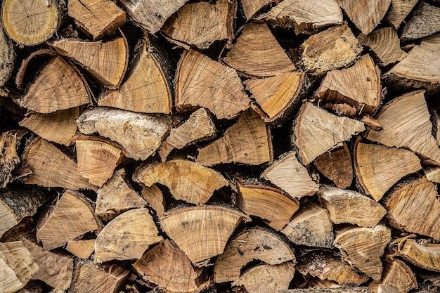Piles de bois de chauffage
