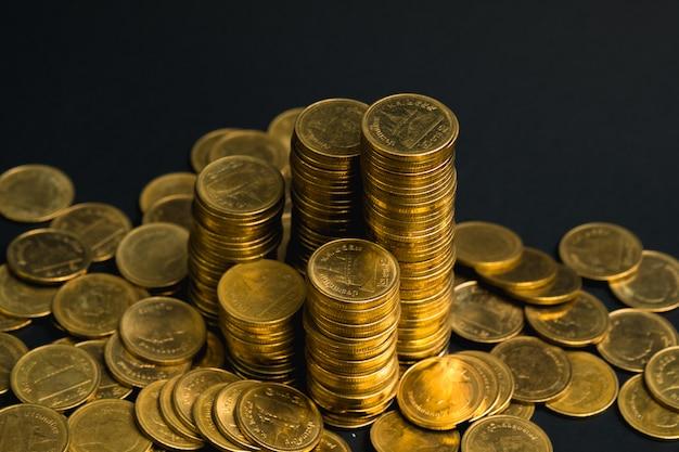 Des piles de pièces