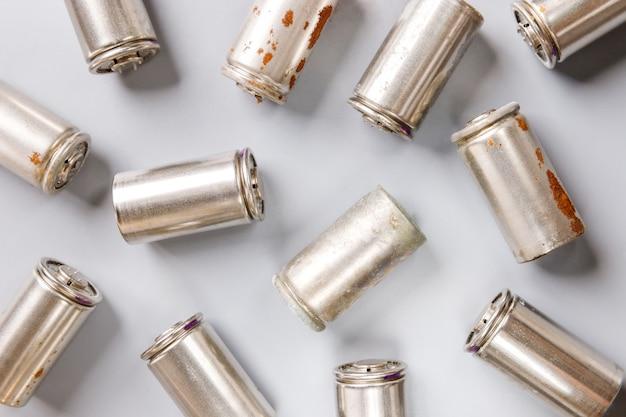 Piles rechargeables usagées à hydrure métallique de nickel (ni-mh)