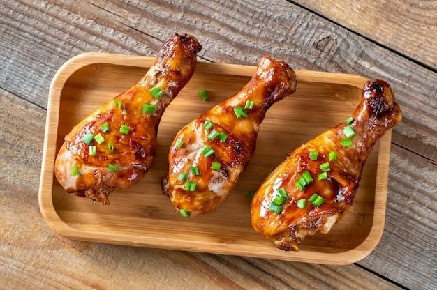 Pilons de poulet grillés