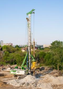 Pilote de pieux sur un chantier de construction