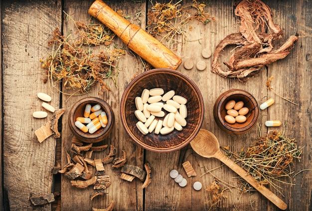 Pilules à base de plantes médicinales