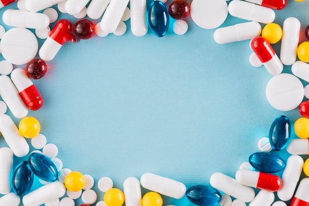 Pilules colorées avec fond