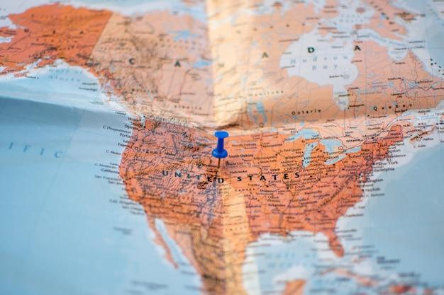 Pin sur la carte de localisation pour le plan de voyage.