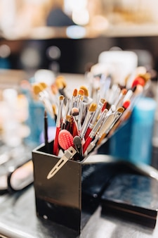 Pinceaux, accessoires et accessoires pour le maquillage