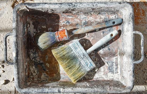 Pinceaux utilisés pour l'amélioration des débris