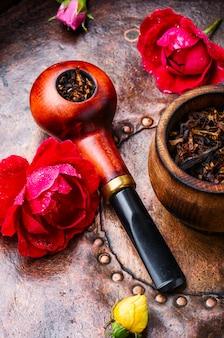 Pipe à fumer et tabac à fleurs