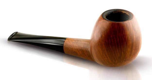 Pipe de tabac sur une surface blanche