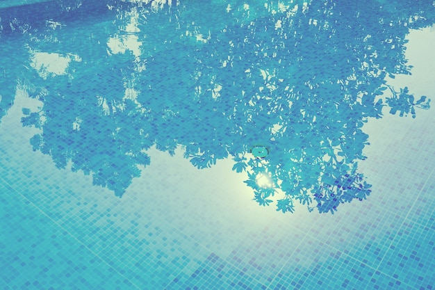 Piscine, réflexion de l'eau, surface de l'eau