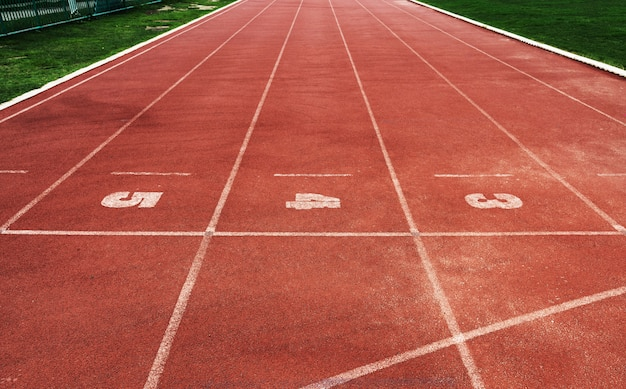 Pistes de course dans un stade