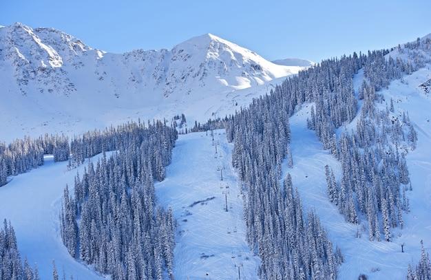 Pistes de ski de montagne