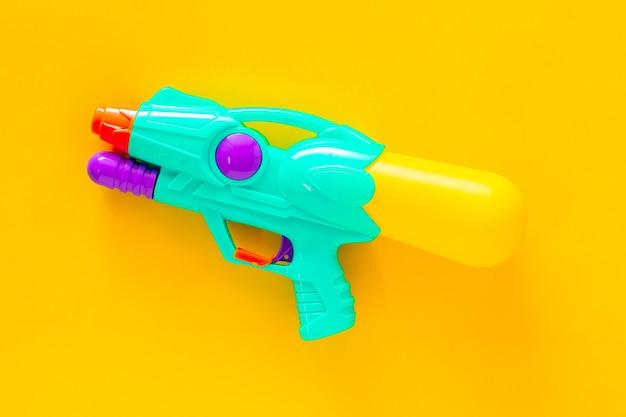Pistolet à eau en plastique