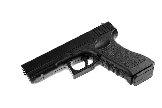 Pistolet isolé sur blanc