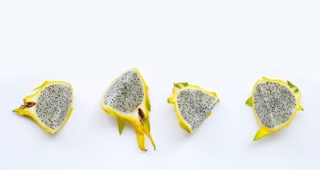 Pitahaya jaune ou fruit du dragon.