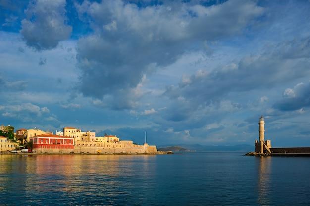 Pittoresque vieux port de chania crete island grèce