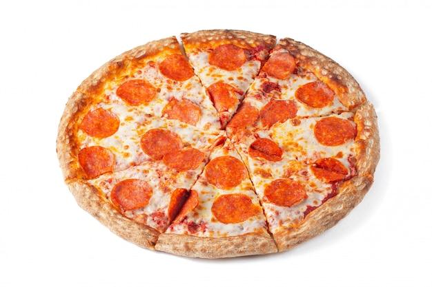 Pizza au pepperoni savoureuse.