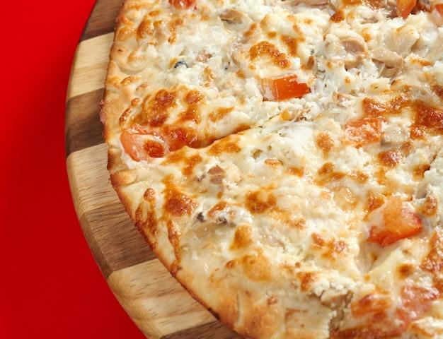Pizza au poisson. cuisine italienne. studio