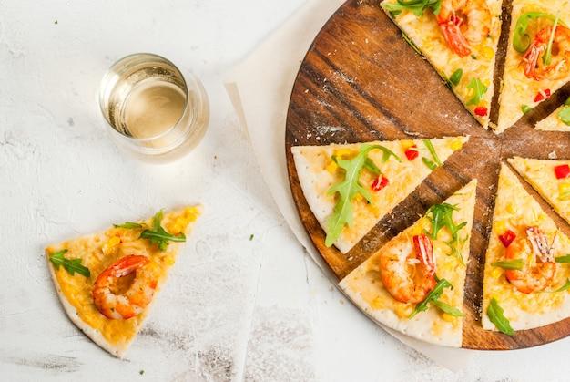 Pizza aux crevettes crevettes
