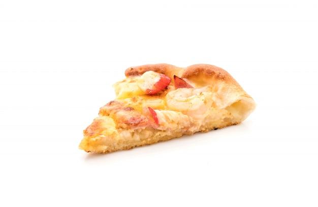 Pizza hawaïenne de fruits de mer isolé sur fond blanc