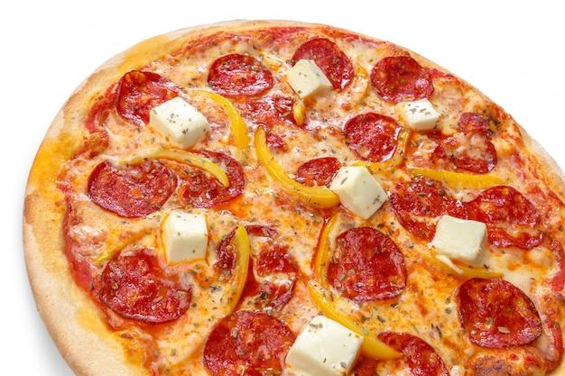 Pizza isolée sur blanc