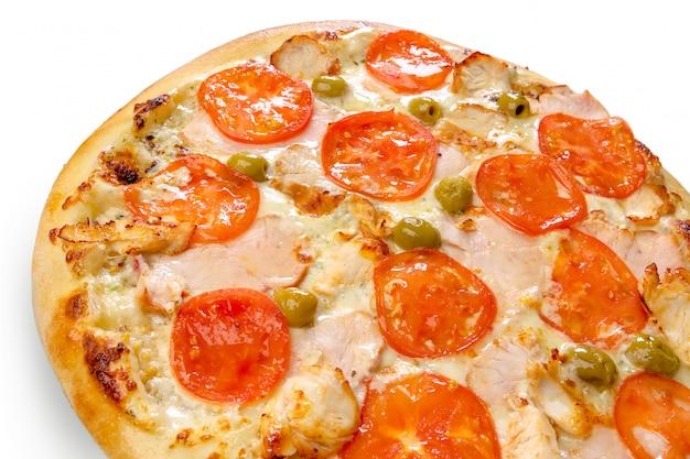 Pizza isolée sur fond blanc
