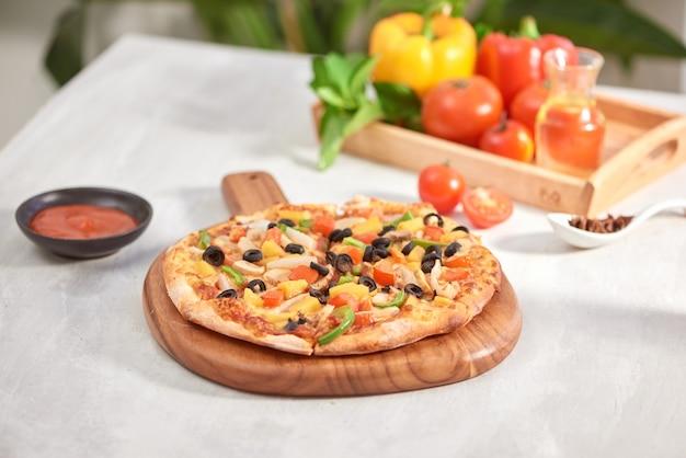 Pizza maison appétissante