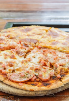 Pizza meat lover et fromage