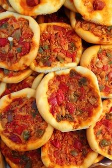 Pizza méditerranéenne coca de dacsa d'espagne