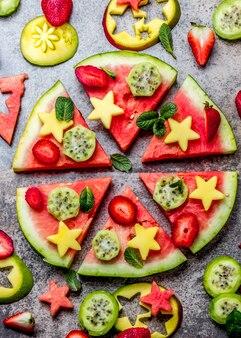 Pizza pastèque aux fruits tropicaux et baies