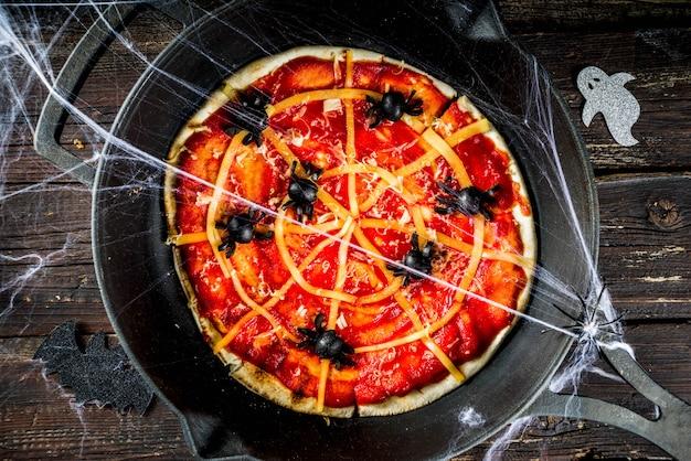 Pizza de toile d'araignée halloween