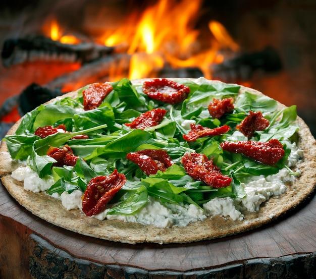 Pizza végétarienne au blé entier