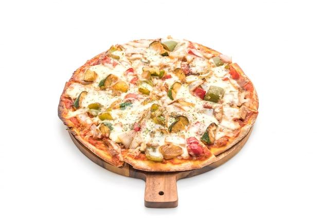 Pizza végétarienne sur fond blanc