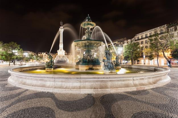 Place rossio (place pedro iv) dans la ville de lisbonne, portugal