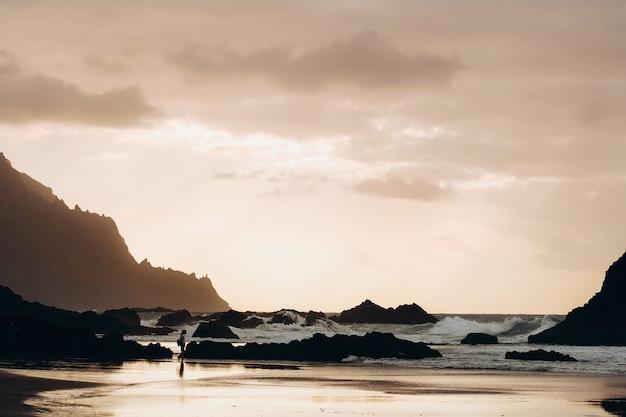 Plage de benijo sur la côte nord de l'île de tenerife
