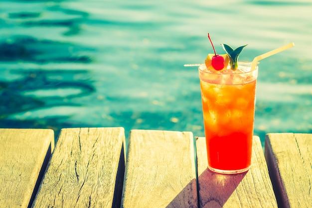Plage boisson partie orange rouge