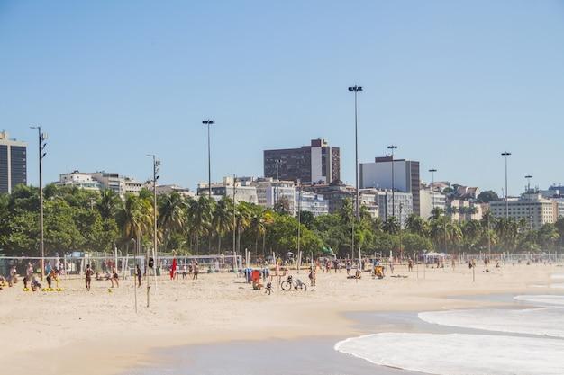 Plage de flamengo à rio de janeiro, vue sur la plage de flamengo dans la zone sud de rio de janeiro.