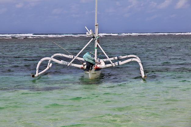 La plage de nusa dua, bali, indonésie
