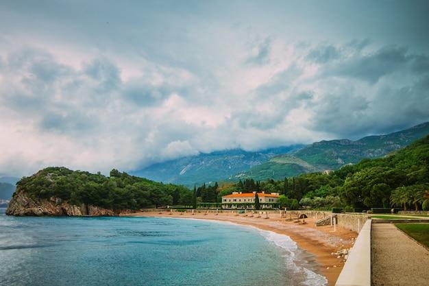 La plage des reines près de la villa milocer au monténégro