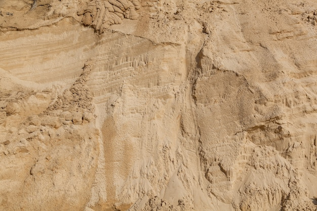 Plage de sable aux motifs des cours d'eau