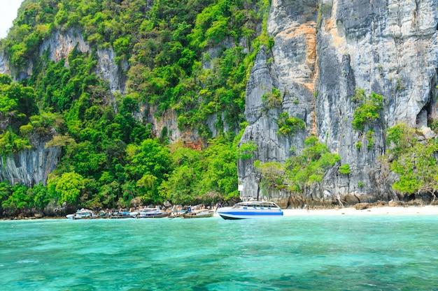 Plage des singes, îles phi phi, thaïlande