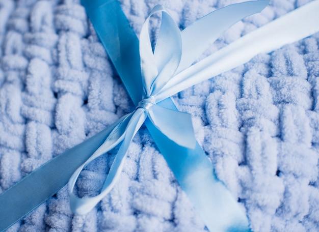 Plaid doux et moelleux pour enfants et adultes, fait main. plaid à tricoter.