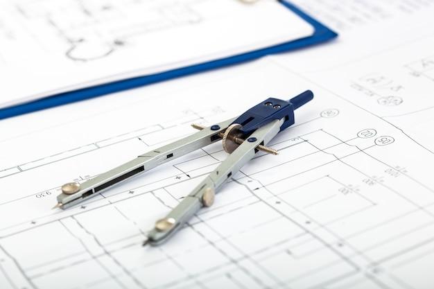 Plan et boussole, concept d'ingénierie
