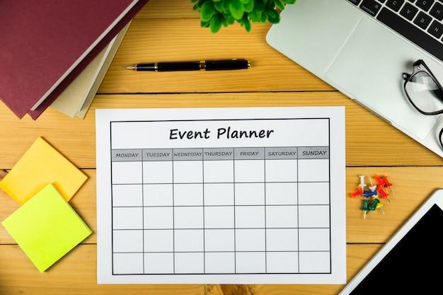 Plan de l'événement faire des affaires ou des activités mensuelles.